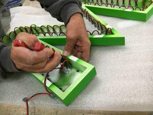 Aztarna, enseigne montage LED sur lettre en volume